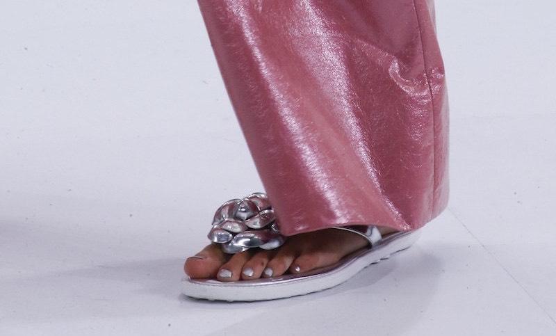 unghie piedi smalto chanel 2016