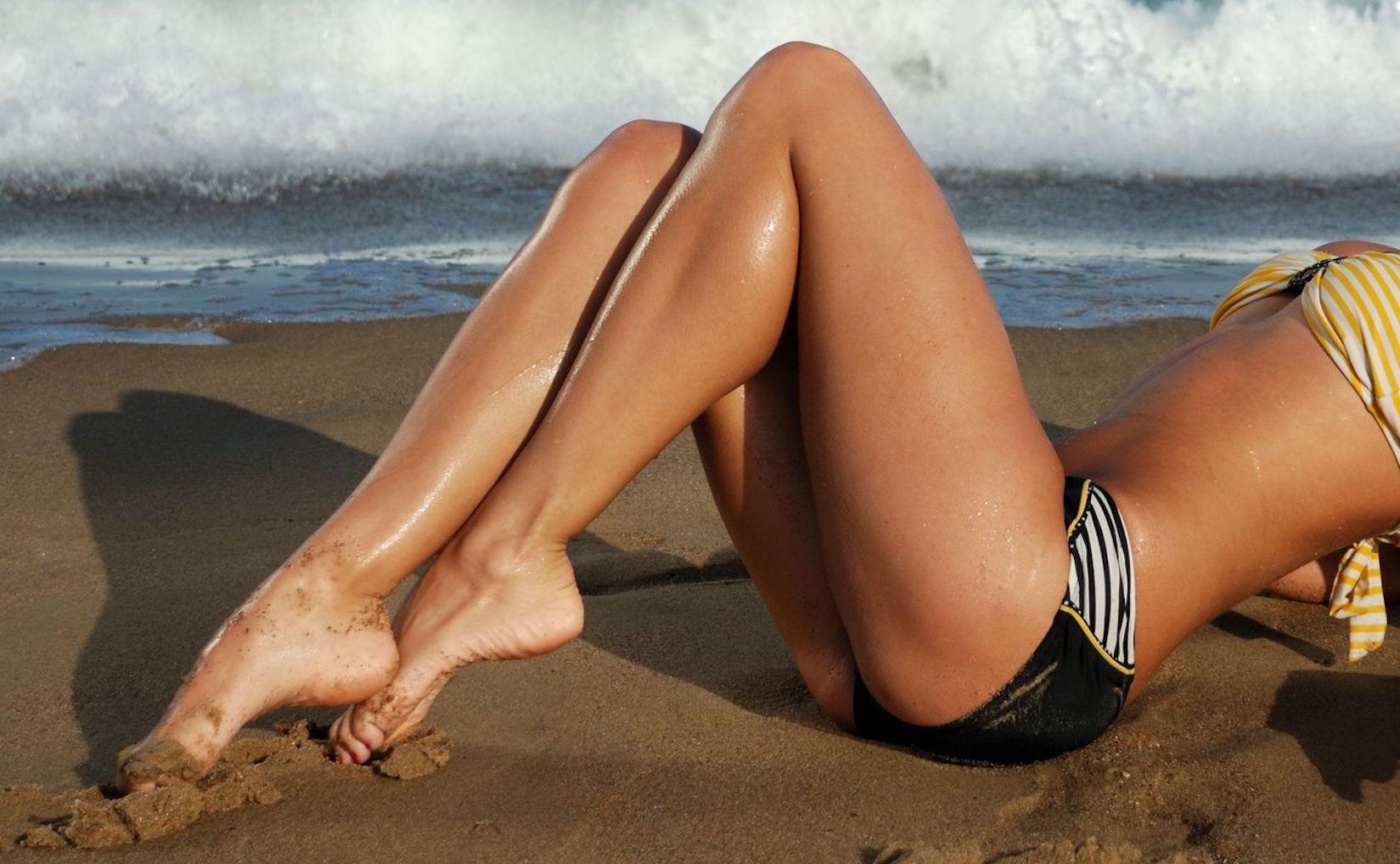 gambe lisce belle estate