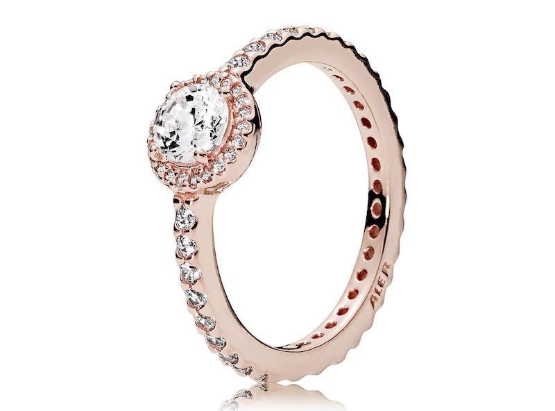 anello con rosa pandora