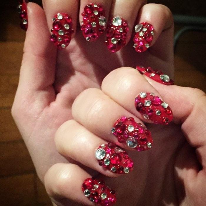 Unghie gioiello nail art capodanno rosse