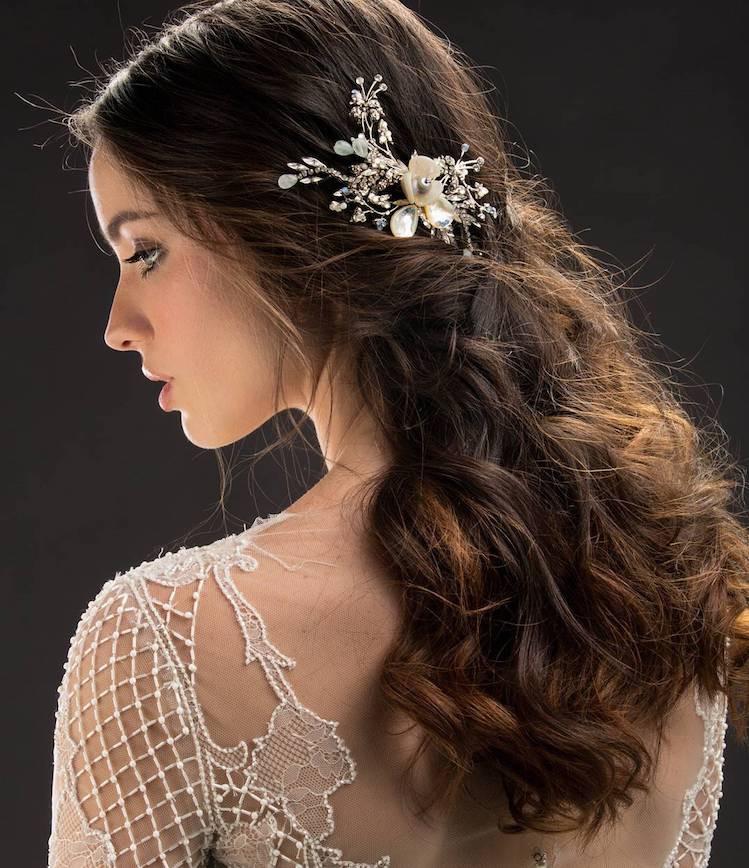 capelli sposa lunghi mossi semiraccolto semplice 2018