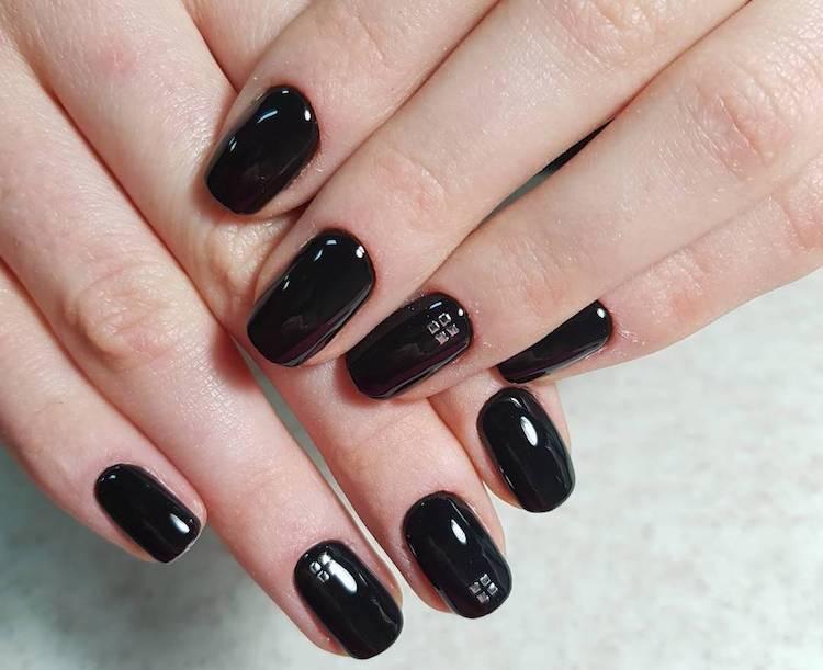 manicure nera lucida inverno 2018