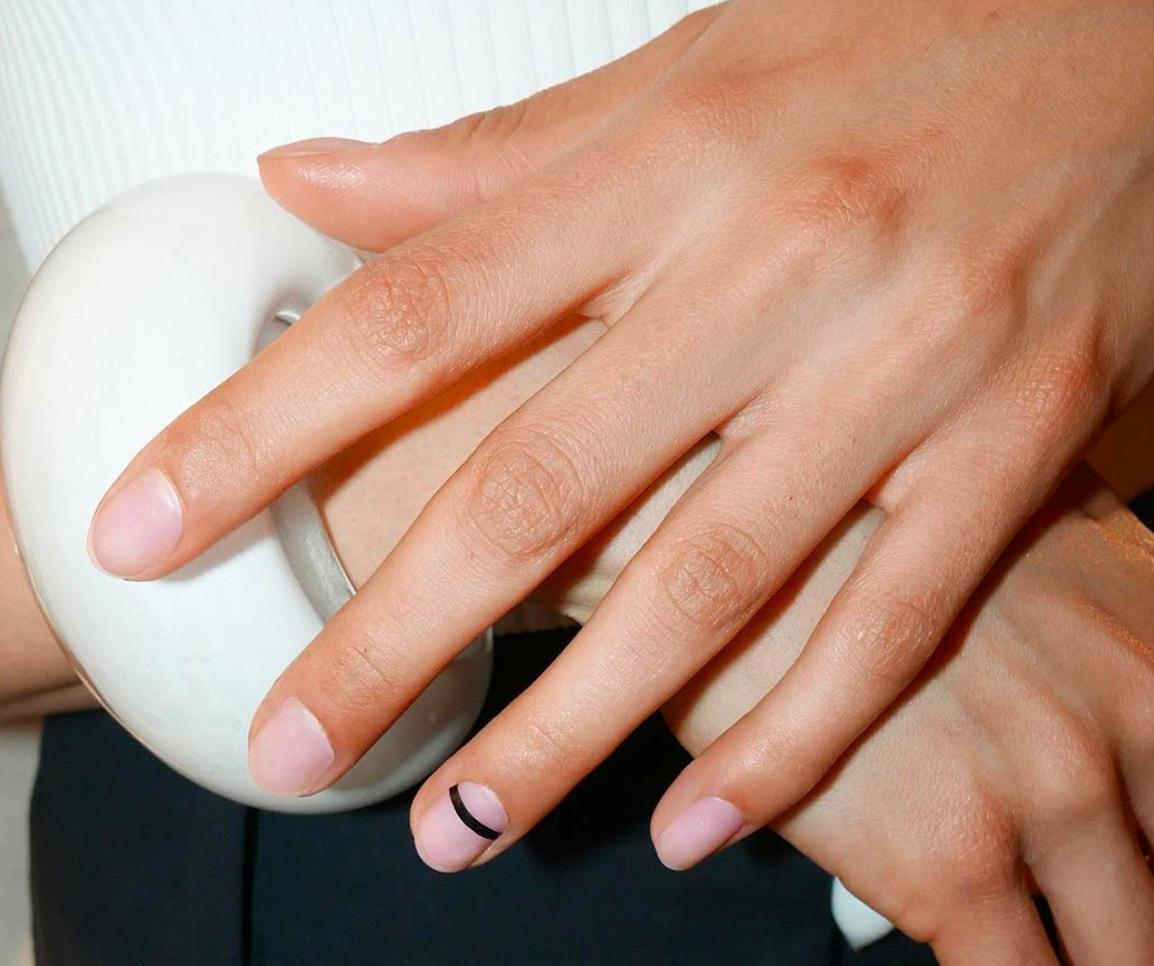 nail art 2018solo su un dito