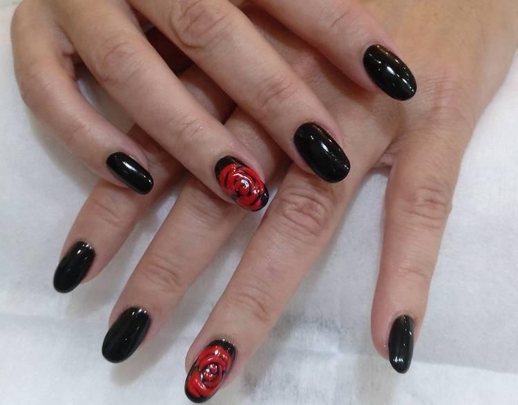 nail art black e rossa inverno 2018