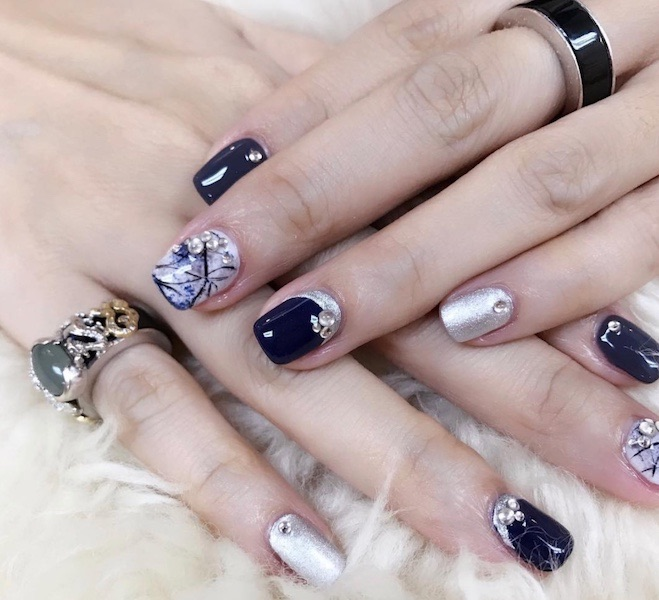 nail art capodanno 2017 -2018 blu argento
