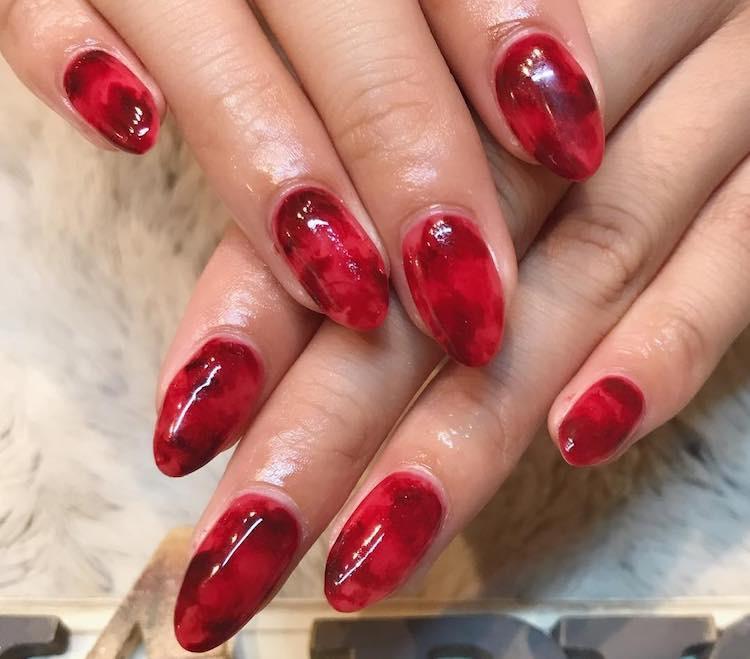 nail art rossa invernale Instagram 2017