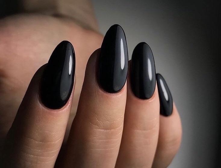 smalto nero unghie lunghe inverno 2018