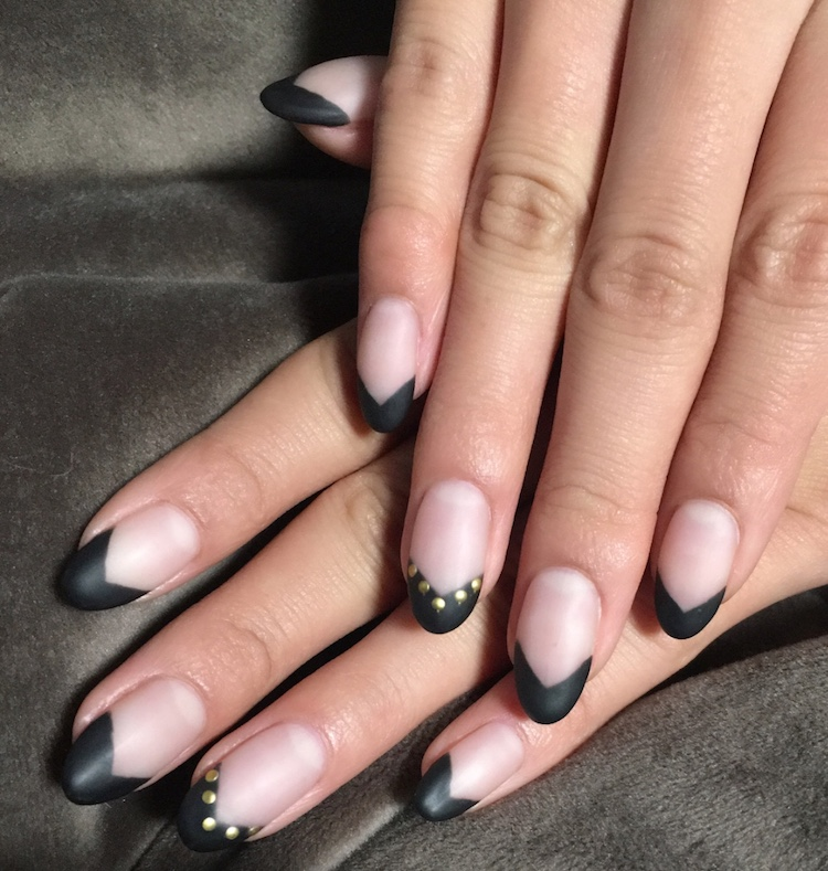 v gap manicure unghie black 2018