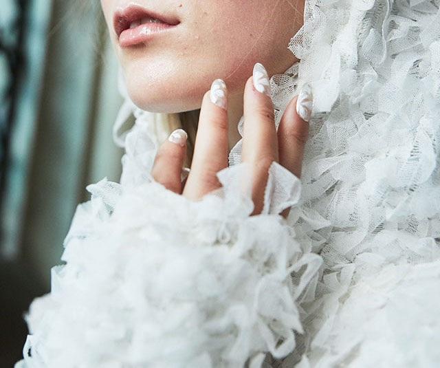 Unghie forma a mandorla sposa 2018 nail art