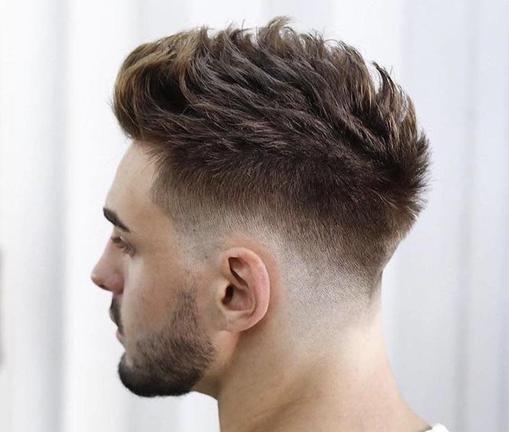 abbastanza Capelli uomo 2018: il taglio maschile di tendenza è con ciuffo e  TX52