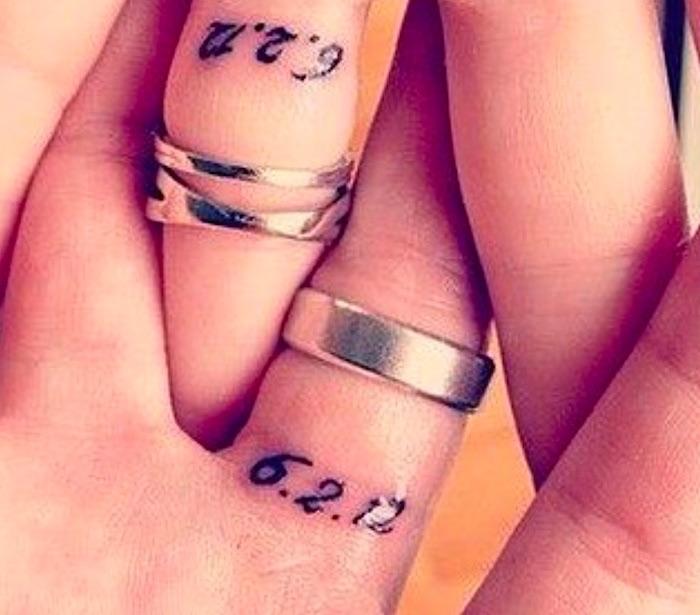 tatuaggio coppia data matrimonio