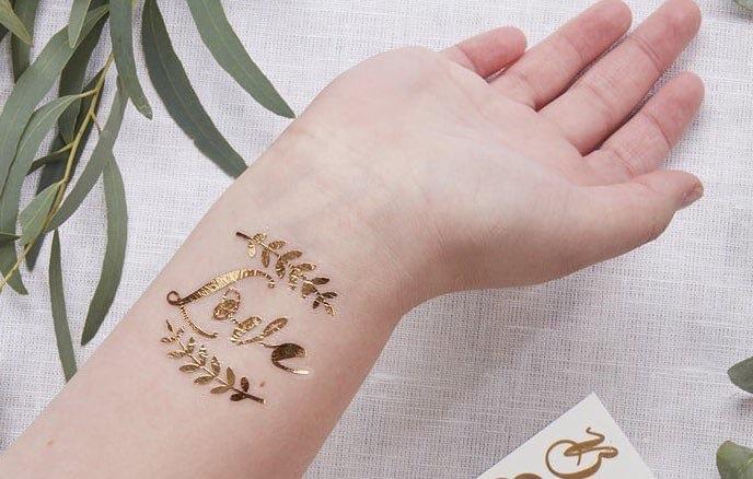 tatuaggio temporaneo oro sposa