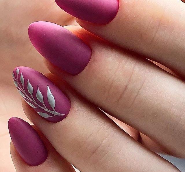 unghie matte nail art semplice invernale