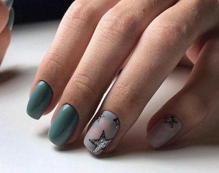 unghiedi natale 2017 nail art smalto verde e stelle