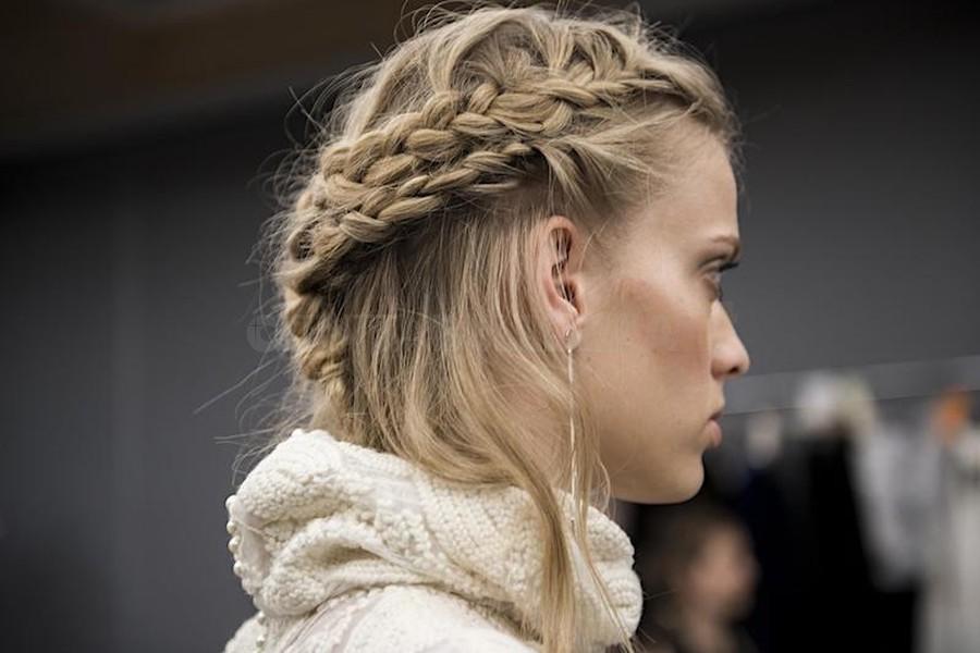 capelli sposa 2018 semiraccolto treccia-atuttabellezza