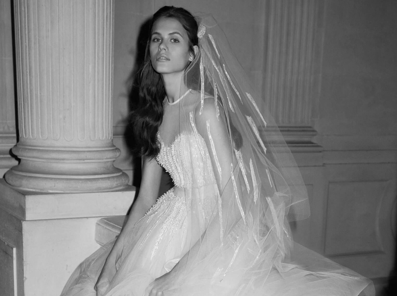 Capelli Sposa Con Velo O Coroncina Le Acconciature 2019 A