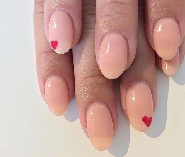 unghie-smalto-rosa-nail-art-estive-2018.