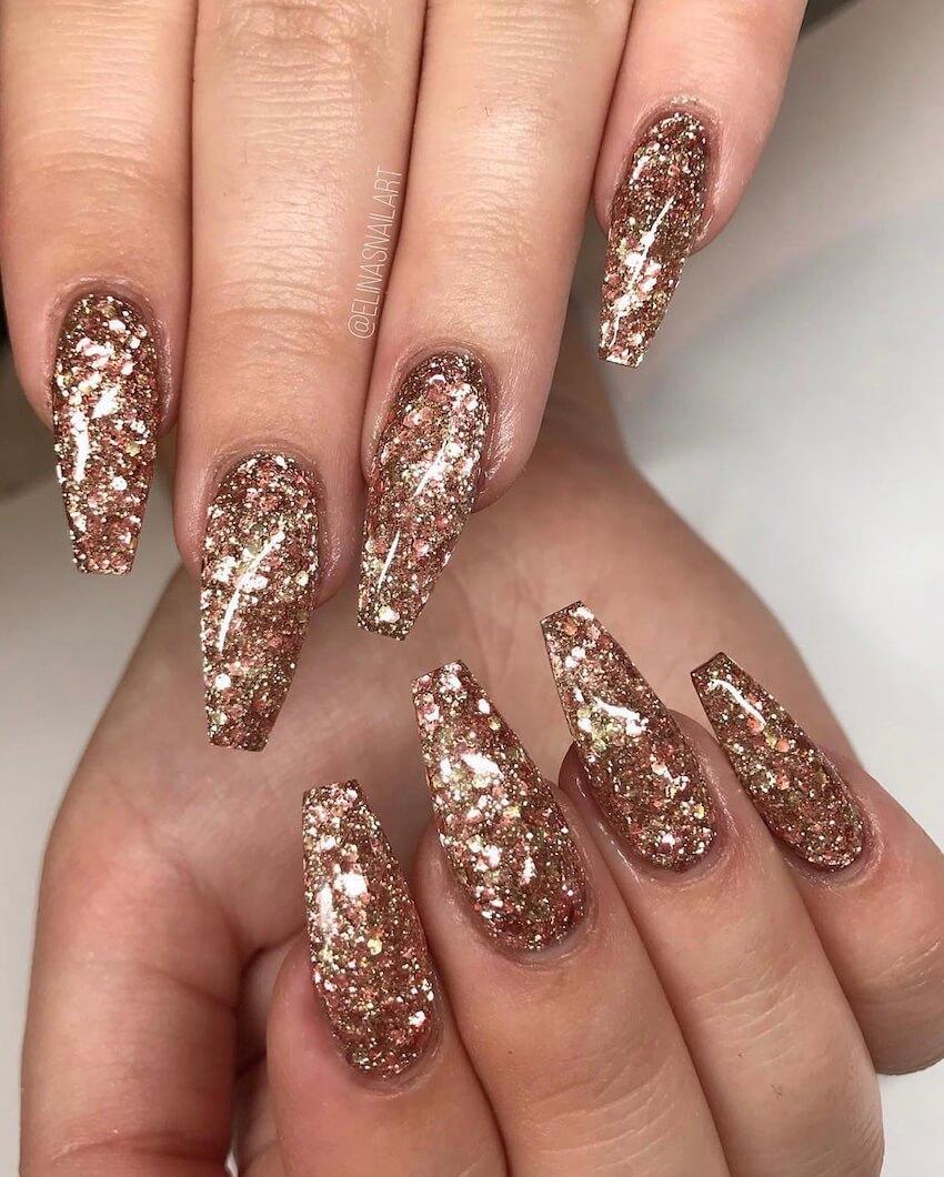 Unghie per natale oro glitter