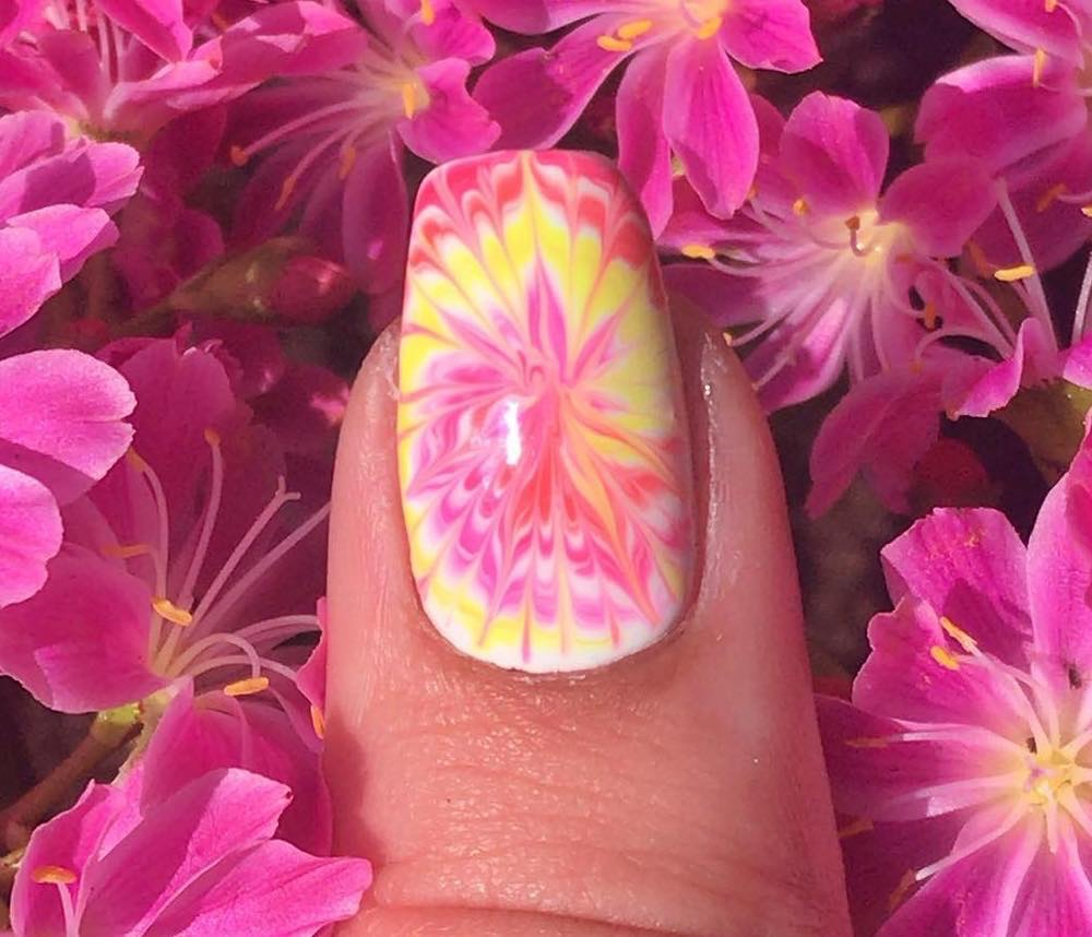 tiedye nail art estate 2019
